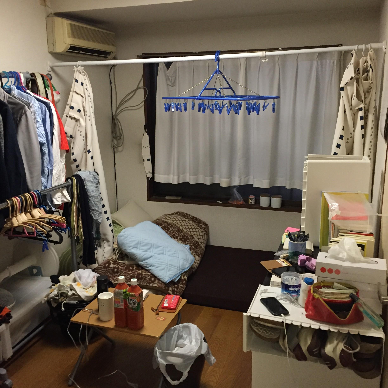 部屋入り口からの写真