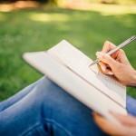 女性とノートブック